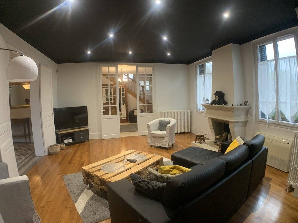 Living-room Wooden floor Fireplace