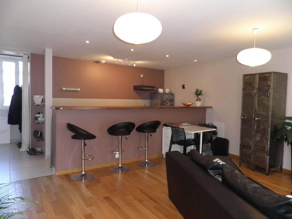 Play room Wooden floor Kitchen bar Tile